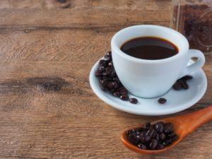 溢れるコーヒー